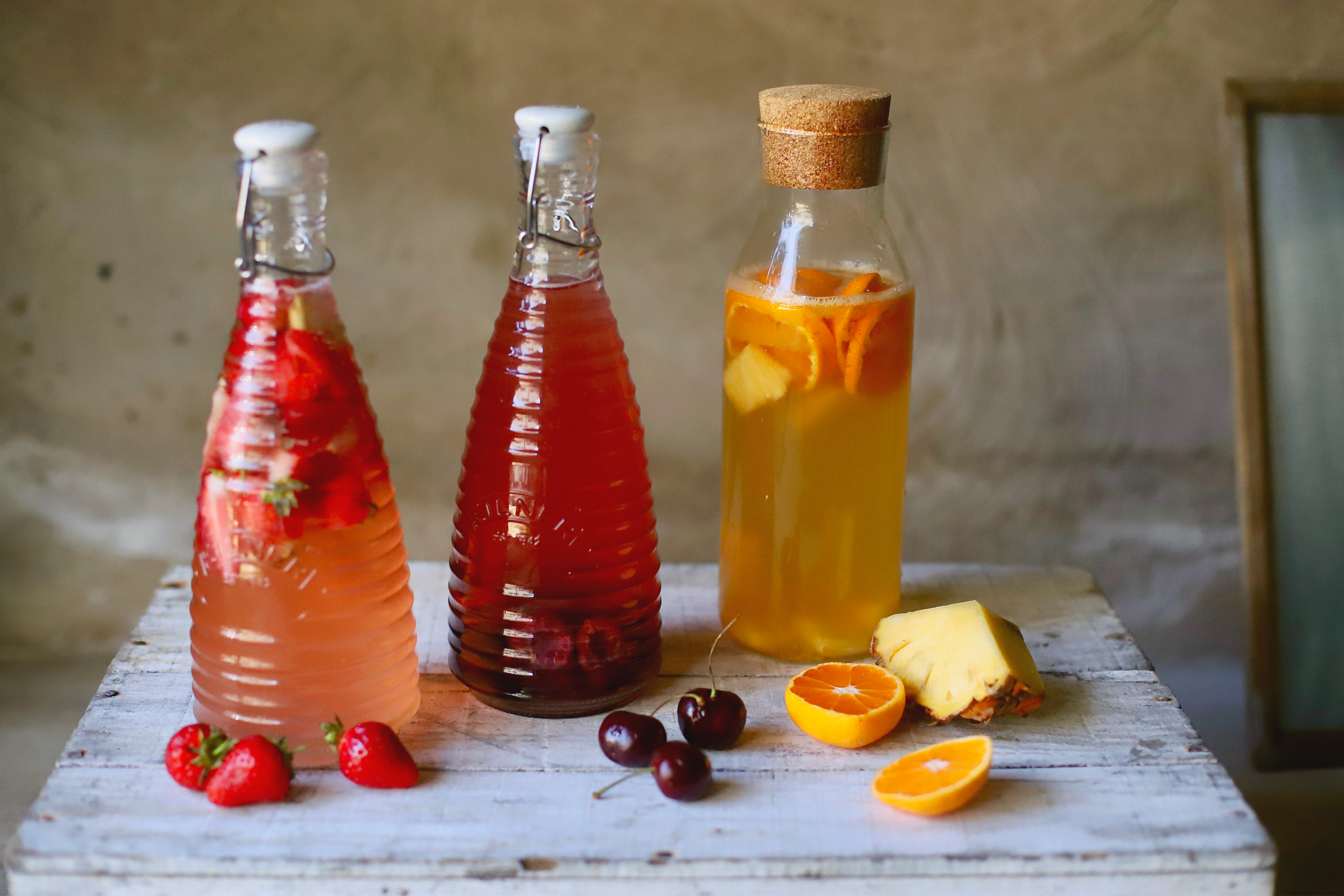 12 summer-kissed, fruity water kefir soda recipes to see you through the hottest days. Ease and adaptable. Fizzy and fun. #kefir #drinks #recipe #nondairy #guthealth
